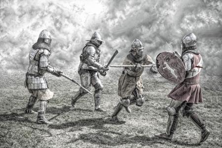 Mittelalterliche Ritter kämpfen in einer Schlacht Standard-Bild - 21998106