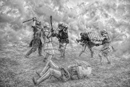 전투에서 싸우는 중세 기사