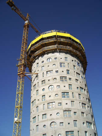 housebuilding: Tower crane and house-building in Tartu, Estonia