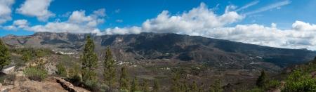 Une belle montagne et de la for�t dans les montagnes panorama paysage Gran Canaria vue dans les �les Canaries, Espagne Banque d'images