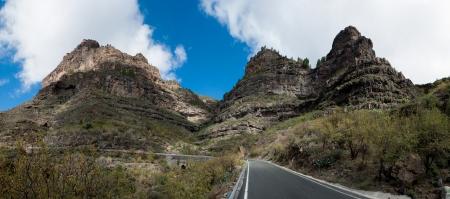 Une belle montagne, la for�t et la route panoramique paysage dans les montagnes de Gran Canaria vue dans les �les Canaries, Espagne