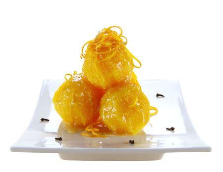 orange peel clove: Stack di arance navale con sciroppo di cotenna e arancione.