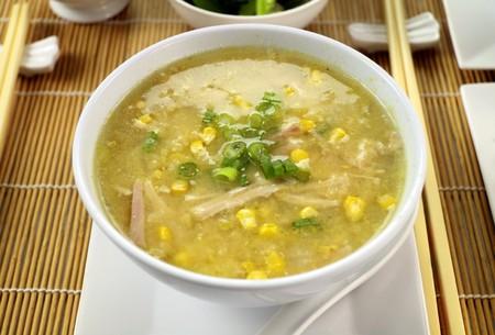 sopa de pollo: Deliciosa chino pollo y ma�z sopa listo para servir.