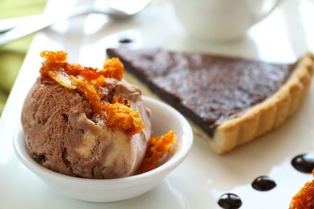 chocolate tart: Caramel ice cream with honeycomb and chocolate tart with sauce.