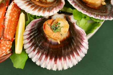 blue swimmer crab: Fresh seafood platter of featuring pan fried scallops and lemon