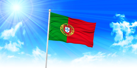 drapeau portugal: Portugal Drapeau fond de ciel Illustration