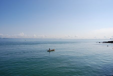 malay village: Pescador en el Mar 1  Foto de archivo