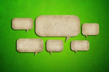 grunge papier bulles sur fond ciment vert