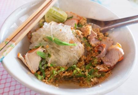 thai vermicelles avec r�ti de porc rouge