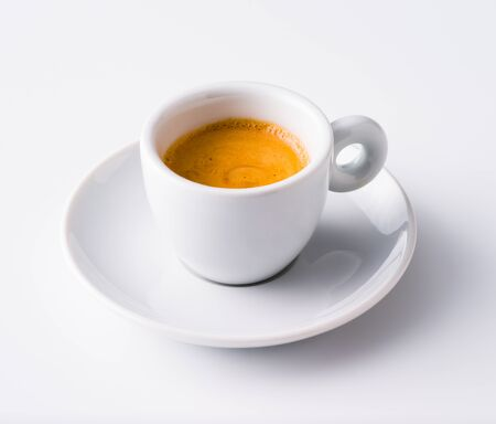 Cup of Espresso isolated on white Banque d'images - 128588518