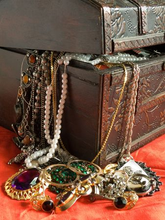 Wooden treasure chest with valuables Stock Photo - 3249338