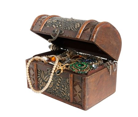 Wooden treasure chest with valuables Stock Photo - 4796885