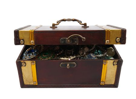 Wooden treasure chest with bijouterie, isolated with  clipping path Stock Photo - 6101384