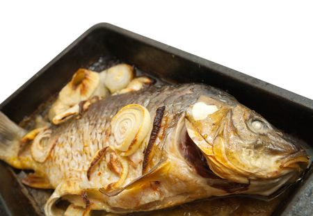bakplaat: Close-up van gegrilde karper vissen op de grill plaat cook  Stockfoto