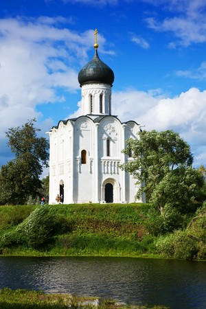 nerl river: Church of the Intercession on the River Nerl built in the 12th century (Russia)