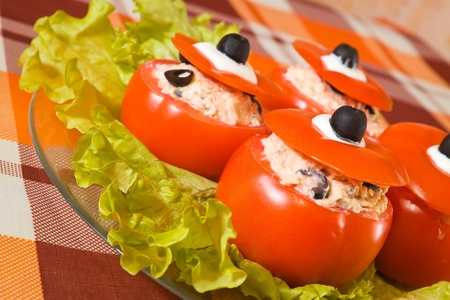 farce: farci tomato salad. See in series stages of cooking of farci tomato  salad
