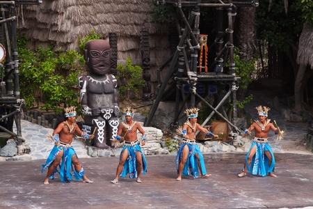 SALOU, SPAIN - APRIL 13:  Port Aventura theme Park in April 13, 2011 in Salou, Spain. Dansers performance traditional show at Polynesian area Stock Photo - 9587718