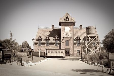 loin: Photo r�tro de la gare � la ville de Far west