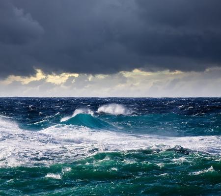 mare agitato: Mare, onda alta durante la tempesta in area mediterranea Archivio Fotografico