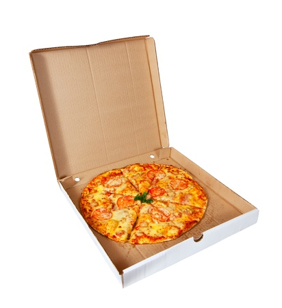 caja de pizza: pizza en caja. Aislado sobre fondo blanco Foto de archivo