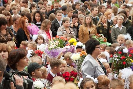 VLADIMIR, RUSSIA - SEPTEMBER 1: Day of Knowledge. First day of school. September 1, 2011 in Vladimir, Russia.Secondary school � 36, now school has 1738 pupils Stock Photo - 12272745