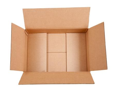 boite carton: Ouvert la bo�te en carton. Isol� sur fond blanc avec chemin de d�tourage