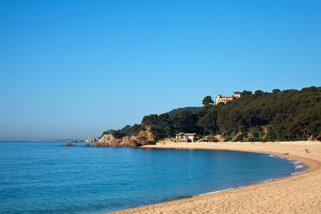 costa brava: Plage de sable � Calella ville Costa Brava, Espagne