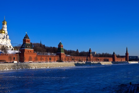 moskva river: Kind to the Moscow Kremlin  and   Moskva River in winter day. Russia