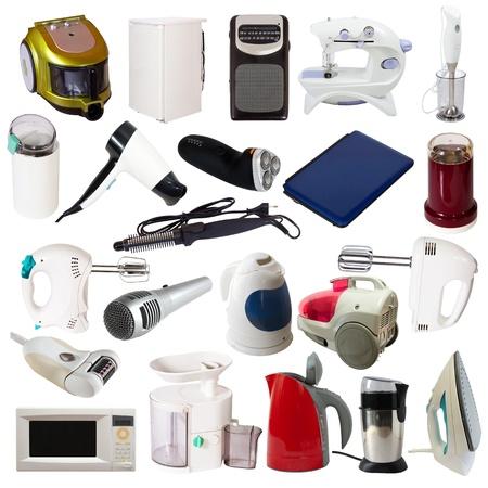 agd: Zestaw urządzeń gospodarstwa domowego. Pojedynczo na białym tle