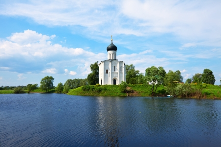nerl: Church of the Intercession on the River Nerl. Inscribed in the Wold Heritage List of UNESCO
