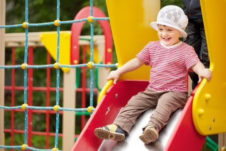 rutsche: Alles Gute zum zweij�hrigen Kind auf Rutsche Spielplatz