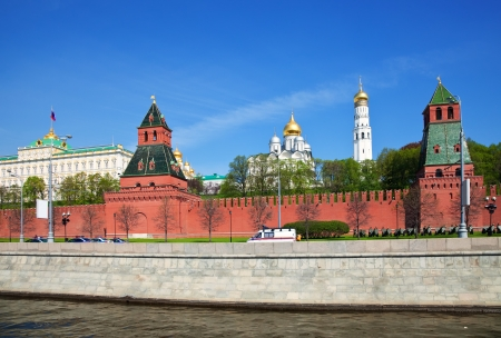 moskva river: Kind to the Moscow Kremlin from Moskva River. Russia