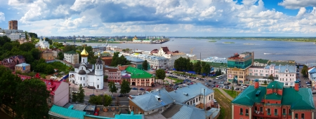 kreml: NIZHNY NOVGOROD, RUSSIA - JULY 19: View of historic district in July 19, 2012 in Nizhny Novgorod, Russia. City was founded in 1221, now is fifth largest city in Russia - population of 1,250,615