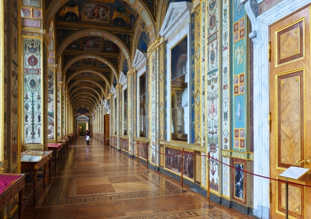 ST.PETERSBURG, RUSSIA - AUGUST 1: Interior of State Hermitage in August 1, 2012 in St.Petersburg, Russia. State Hermitage was founded in 1764. Now it is largest in Russia and one of largest museums Stock Photo - 15438343