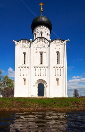 intercession: Church of the Intercession on the River Nerl in spring  flood Stock Photo