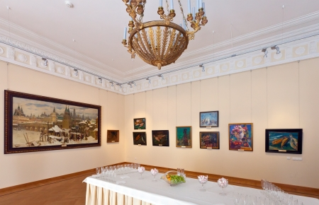 art museum: YAROSLAVL, RUSSIA - JULY 28: Interior of Art Museum in July 28, 2012 in Yaroslavl, Russia. Residence of Governor of Yaroslavl, built in 1820. Since 1970, in building is located the Art Museum