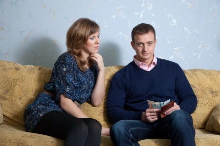 parsimony: Financial problems have a husband and wife