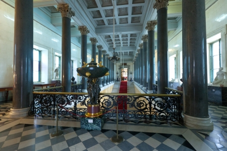 ST.PETERSBURG, RUSSIA - AUGUST 1: Interior of Winter Palace in August 1, 2012 in St.Petersburg, Russia. State Hermitage was founded in 1764. Now it is largest in Russia and one of largest art museums Stock Photo - 16309800