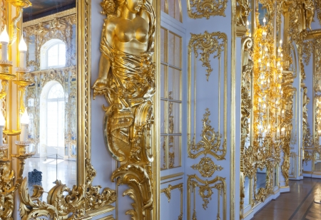 imrepator: ST.PETERSBURG, RUSSIA - AUGUST 2: Interior of Catherine Palace in August 2, 2012 in St.Petersburg, Russia. The former imperial palace.  Building is laid in 1717 on orders of Catherine I. Now a museum