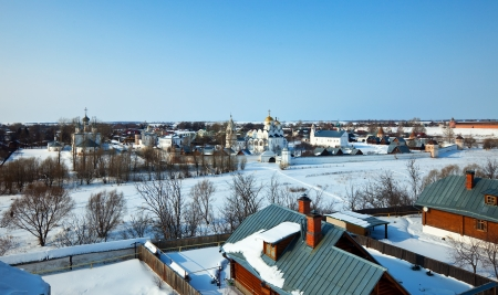 intercession: Panoramic view of Suzdal with Intercession monastery in winter. Russia