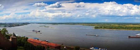 nizhni novgorod: Panoramic view from the steep banks of the Volga river in Nizhny Novgorod