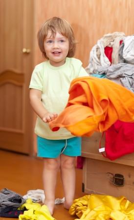 hellion: Baby girl  chooses dress at closet