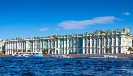 View of St  Petersburg  Winter Palace from Neva River in sunny day