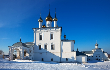 build in: Trinity Cathedral (build in 1681-1689)  in  St. Nicholas monastery at Gorokhovets in winter. Russia