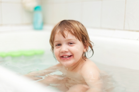 1 2 years: 2 years child bathes in bath