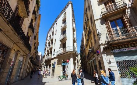 gotico: Barcelona - 14 de abril: Barrio G�tico, en 14 de abril 2013 en Barcelona. Es el centro de la antigua ciudad, uno de los s�mbolos de la ciudad