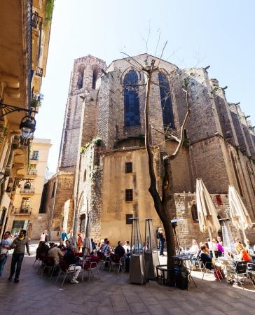 gotico: BARCELONA, ESPA�A - 14 de abril: Santa Maria del Pi, en 14 de abril 2013 en Barcelona, ??Espa�a. Es una iglesia g�tica del siglo 14 en el Barrio G�tico Editorial