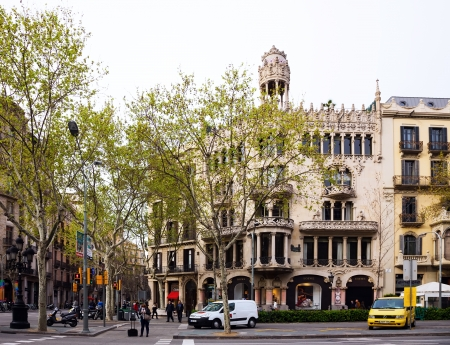 paseig: BARCELONA, SPAIN - APRIL 8: Casa Lleo Morera in April 8, 2013 in Barcelona, Spain. Was built in 1902–1906 by Catalan architect Domenech i Montaner, Catalan modernism style