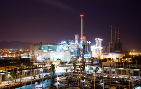 fabrica: BARCELONA, SPAIN - APRIL 9: night view of Endesa power plant and Port Forum in April 9, 2013 in Barcelona, Spain. Combined cycle power plant of Endesa in Sant Adria del Besos Editorial