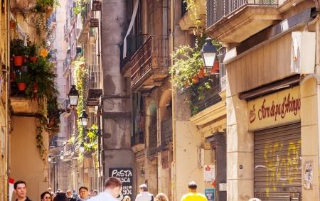 gotico: BARCELONA, ESPA?A - 14 de abril: Barrio G?tico, en 14 de abril 2013 en Barcelona, ??Espa?a. Es el centro de la antigua ciudad, uno de los s?mbolos de la ciudad
